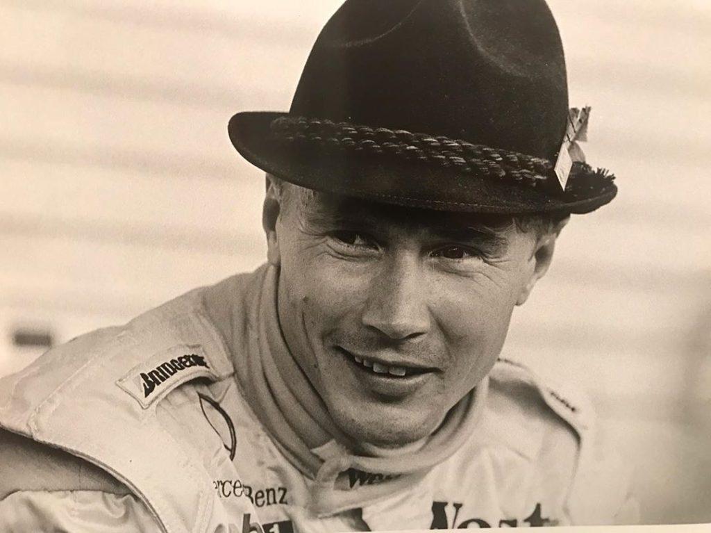 легендарный гонщик мика хаккинен