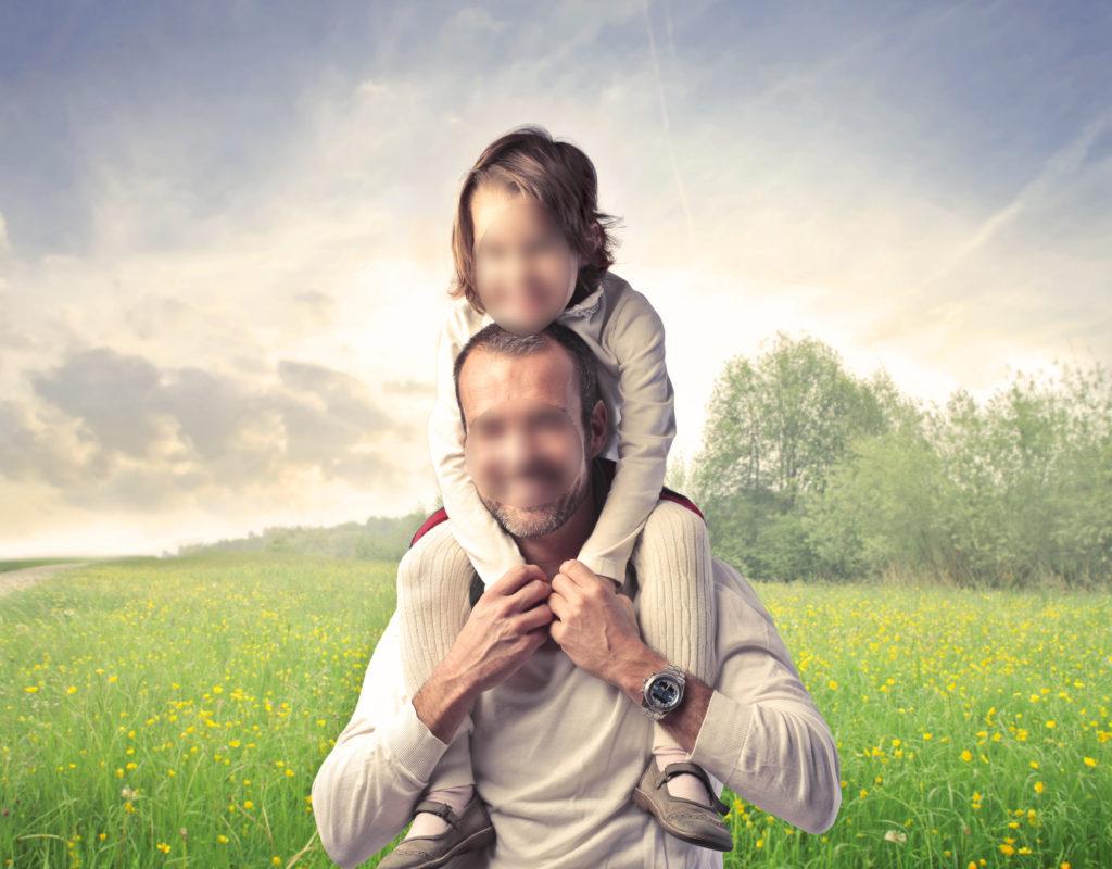 отец изнасиловал дочь