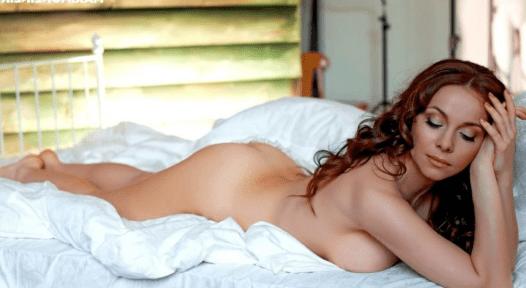 Екатерина Гусева лежит